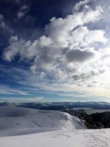 Nydelig utsikt over snøen på Kvamsskogen